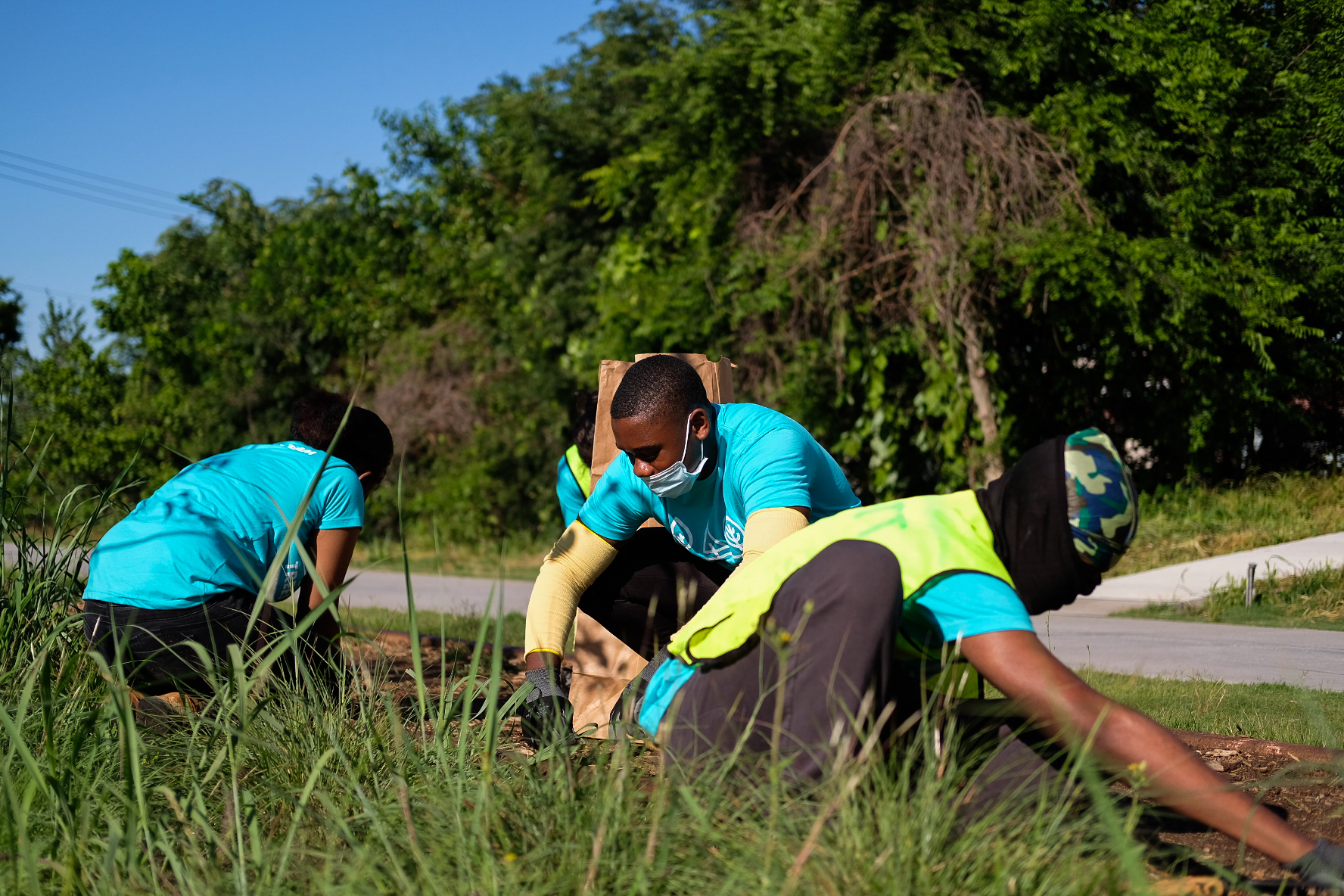 Youth Tree Team in Atlanta BeltLine Arboretum