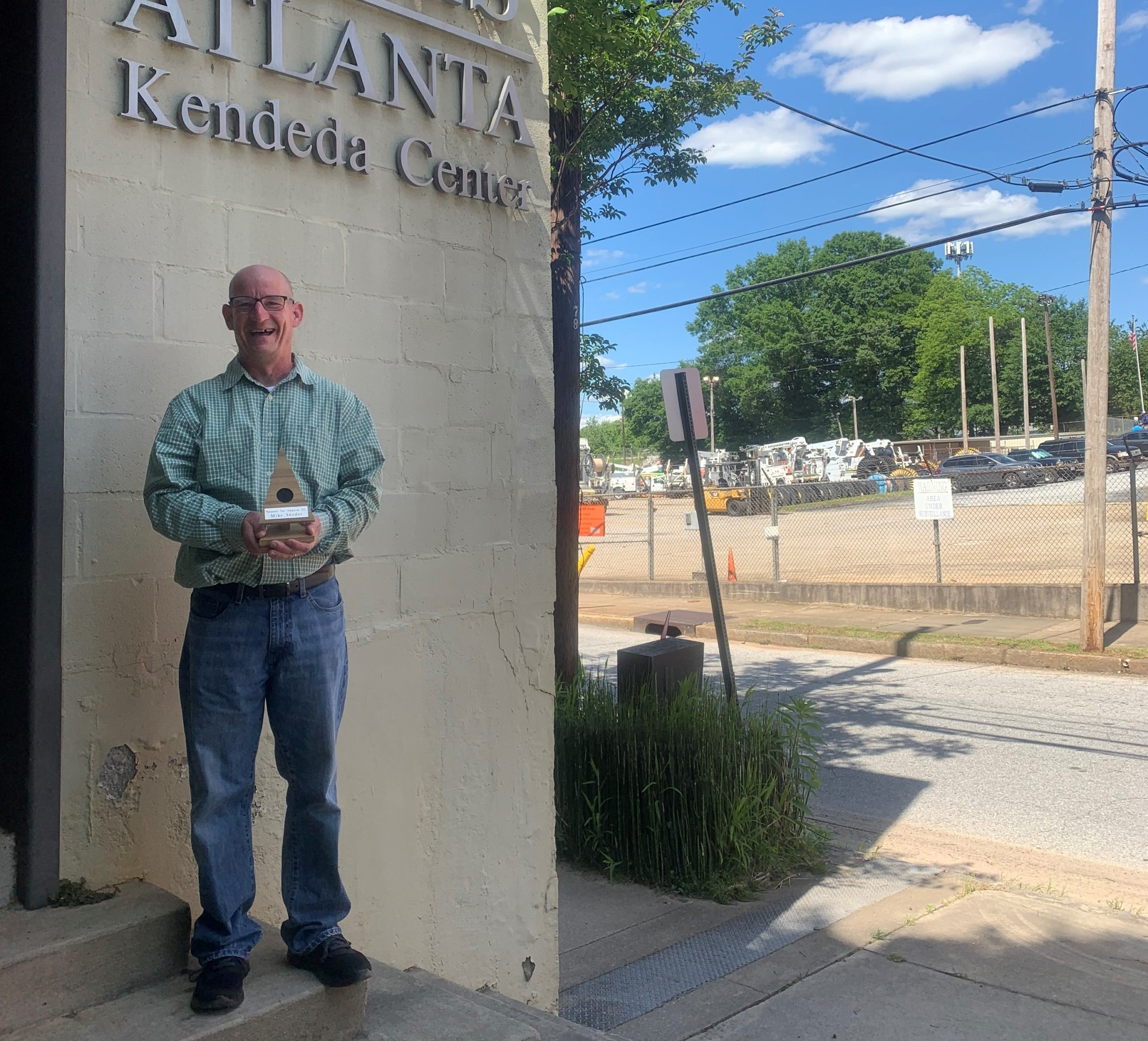 Volunteer Winner Mike Snyder awarded by Trees Atlanta 2021 Tree Champion at Root Ball